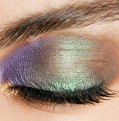 How to get pretty peacock eyeshadow - makeup tutorial