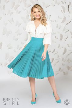Fustă plisată bleu din voal Waist Skirt, Midi Skirt, High Waisted Skirt, Pretty Girls, Girl Fashion, Tulle, Spring Summer, Casual, Skirts