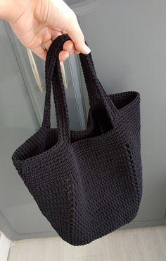 Crochet Woman, Knit Crochet, Crochet Purses, Crochet Basics, Crochet Fashion, Crochet Projects, Straw Bag, Diy And Crafts, Crochet Earrings