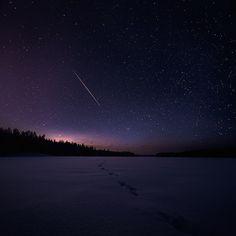 Night skies in Finland http://www.fubiz.net/2014/05/09/night-skies-in-finland/