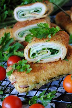 Krokiety z cukinią Polish Recipes, Meat Recipes, Healthy Recipes, Salmon Burgers, Finger Foods, Crackers, Sandwiches, Yummy Food, Yummy Yummy
