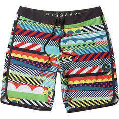 From remote tropical beaches to the sand you call home, make waves this summer with the Vissla Men's Woodside Board Short. Featuring a custom print by artist Jason Woodside, this board short is packed with graphic shapes and vibrant colors that's guaranteed to blow minds whether you're showing off your skills on the board or hanging out around the food trucks with your crew.