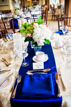 Blue Is a Happy Color for Wedding Table Decoration. - Read more: http://simpleweddingstuff.blogspot.com/2015/01/blue-is-happy-color-for-wedding-favors.html