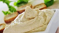Λευκός ταραμάς με μπαγιάτικο άσπρο ψωμί