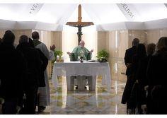 Papa: Jesús tiene autoridad porque está al servicio de la gente - Radio Vaticano