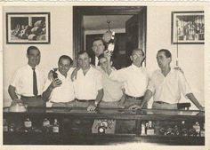 Agosto de 1964. Empleados en el Almacén. / August, 1964. Warehouse workers.
