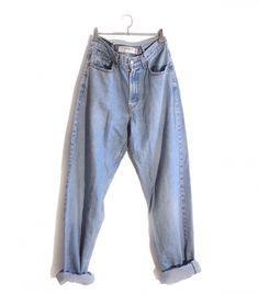 Jeans Levi's 550 W32 L36  #brandleyvintage #vintageclothing #clothes #tshirt #jeans #levis #shoponline  #outfit #fashion #vintage #conmuchorollo Jeans Levis, Levis 550, Mom Jeans, Vintage Outfits, T Shirt, Pants, Clothes, Fashion, Supreme T Shirt