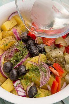 SALATA ORIENTALA DE POST | Diva in bucatarie Home Food, Vegan Foods, Pasta Salad, Vegetarian Recipes, Ethnic Recipes, Recipies, Crab Pasta Salad, Vegetable Dip Recipes