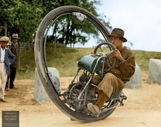 One wheel motorcycle invented by Italian M. Goventosa de Udine 1931