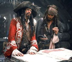 POTC lovedlovedloved Keith Richards as Jack's father and I want him back in the role