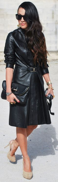 Leather like . Street Style 2017, Street Chic, Street Style Women, Street Styles, Street Snap, Divas, Street Looks, Leather Dresses, Leather Outfits