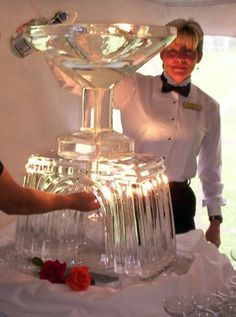 Champagne wedding cocktail luge by Krystal Kleer Ice Sculptures of Appleton, WI Martini Centerpiece, Ice Sculpture Wedding, Snow Sculptures, Metal Sculptures, Bronze Sculpture, Wood Sculpture, Ice Luge, Ice Bars, Winter Wonderland Wedding
