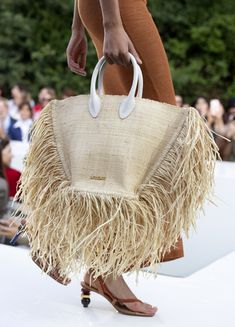 Jacquemus at Paris Fashion Week Spring 2019 - Details Runway Photos Source Bags We Want Straight From the Spring 2019 Runways Best Spring 2019 Bags On The Runway – Spring 2019 Bag TrendsFrom double bags at Chanel to oversized totes and logo b Fashion Bags, Fashion Accessories, Womens Fashion, Paris Fashion, Summer Accessories, Fashion Backpack, Fashion Ideas, Fashion Dresses, Fashion Jewelry