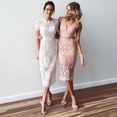 The dress on the left with same hairstyle is nice for you dresses guest outfit Incredible Wedding Guest Dress Style Ideas Chic Outfits, Dress Outfits, Maxi Dresses, Lace Midi Dress, White Dress Outfit, Dance Dresses, Mode Inspiration, Wedding Inspiration, Dress To Impress