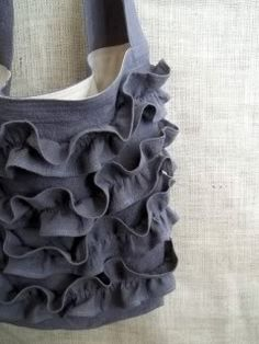Ruffled bag - this doesn't give tutorial/instructions, but I think it can be figured out!