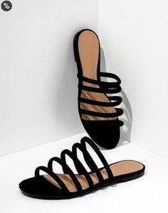 40 Women's Mule Sandals To Rock This Year - New Shoes Styles & Design Trendy Sandals, Cute Sandals, Cute Shoes, Me Too Shoes, Women Sandals, Shoes Flats Sandals, Sandals Outfit, Leather Sandals, Heels