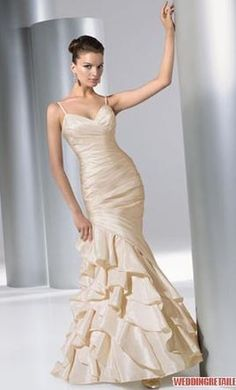 Demetrios GR181: buy this dress for a fraction of the salon price on PreOwnedWeddingDresses.com