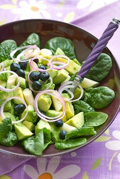 Avocado, blueberries, and spinach.I'd switch out the blueberries for some dried cranberries. Raw Food Recipes, Vegetarian Recipes, Cooking Recipes, Healthy Recipes, Cooking Ideas, Easy Recipes, Salad Dressing Recipes, Salad Recipes, Blueberry Salad