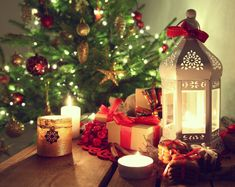 Safety Tips for Your Christmas Candlelight Service – Concordia Supply Blog