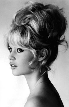 Brigitte Bardot Nude Pictures, Videos, Biography, Links and More. Brigitte Bardot has an average Hotness Rating of (calculated using top 20 Brigitte Bardot naked pictures) Brigitte Bardot, Bridget Bardot Hair, Retro Hairstyles, Wedding Hairstyles, Bouffant Hairstyles, Wedding Upstyles, Pelo Vintage, Vintage Updo, Vintage Beauty