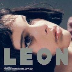 Leon the Professional - Natalie Portman Jean Reno, Cinema Posters, Film Posters, Series Movies, Film Movie, Movies To Watch, Good Movies, Mathilda Lando, Luc Besson