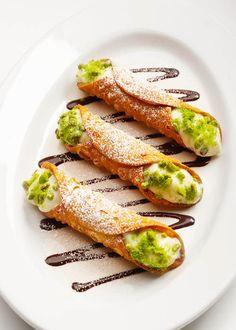 Dit is het allerlekkerste recept van de dag en zo klaar: gefrituurde cannoli met ricotta #cannoli