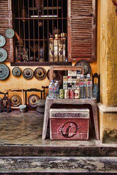 Hoi An, Vietnam - klangschale wie im Hintergrund kaufen