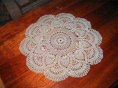 Pattern: http://web.archive.org/web/20021105100931/www.angelfire.com/folk/celtwich/PinkPineapple.html