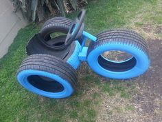 Llantas playground natural playgrounds ideas for kids playground playground ideas concept criativo Kids Backyard Playground, Backyard For Kids, Diy For Kids, Children Playground, Playground Ideas, Kids Outdoor Play, Kids Play Area, Reuse Old Tires, Reuse Recycle