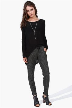 I wish I looked good in these type of pants :-( want them.
