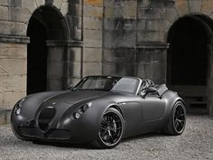 "Wiesmann MF5 ""Black Bat"" powered by a BMW V10"