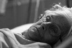 Негувателка открива за што луѓето најмногу жалат на смртна постела