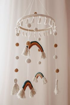 Crochet Baby Mobiles, Crochet Mobile, Family Crafts, Crafts For Kids, Diy Crafts, Bauble Wreath, Baby Life Hacks, Rope Art, Boho Nursery