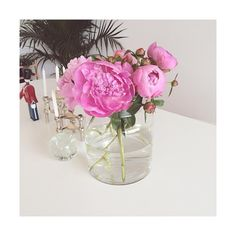 #tableparty #peonies #flowers#flowersofinstagram #pink#pinkflowers #kajbojesen #fanebærer #stoff#stoffstager #nagelstager #fritznagel #danishdesign #nordichomes#bolig#indretning