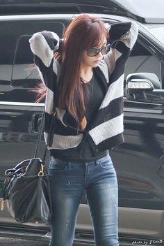 18 Fashion Airport Eunji Apink Yang Modis dan Casual | Fashion Korea | Baju Korean Style