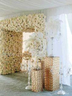 gold roses decor