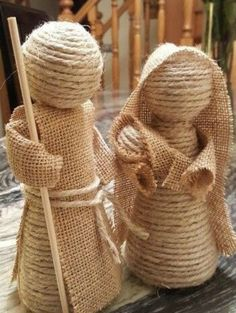 Creative Ideas and Practices: A rope nativity scene and jute burlap of the most . Burlap Crafts, Christmas Projects, Holiday Crafts, Christmas Nativity Scene, Nativity Crafts, Sisal, Navidad Diy, Ideas Navidad, 242