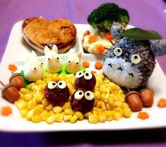 Adorable Totoro Plate made w/ Black-and-White Onigiri (Nori mixed w/ rice), Corn Kernels and Meatballs!