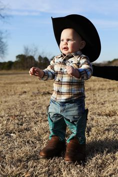 So cute!  Would love to get Jackson some little cowboy boots of his own.
