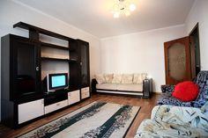 Предлагаем для долгосрочной аренды в Ставрополе  1 - комнатная квартира по адресу Ленина 417и,, ремонт косметический,кухонный гарнитур, шкаф-купе, мягкая мебель, общей площадью 40 кв.м, дом Новый кирпич, Центральное отопление, Электро-плита, наличие бытовой техники - стиральная машина (-), холодильник (-), телевизор (+),парковка охраняемая, номер объявления - 25600, агентствонедвижимости Апельсин. Услуги агента только по факту заключения договора.Фотографии реальные.   Подробно…