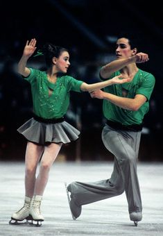 Soviet figure skaters Yekaterina Gordeeva and Sergei Grinkov during the demonstration performances at the International Figure Skating Tournament for the prizes of the newspaper Moskovskie Novosti at the Sports Palace of the Central Stadium. Of VI Lenin.