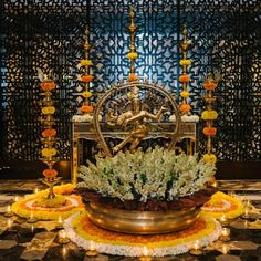 Diwali Decorations At Home, Home Wedding Decorations, Festival Decorations, Wedding Ideas, Door Flower Decoration, Flower Decorations, Traditional Wedding Decor, Home Entrance Decor, Diwali Diy