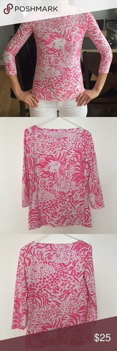 3/4 length Lilly Pulitzer top A cotton and spandex blend makes this top amazingly comfortable. Very well maintained, was purchased last season. Lilly Pulitzer Tops Tees - Long Sleeve