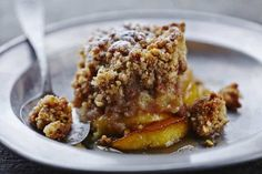 This apple crumble is so easy to make and the perfect gluten free fall or winter dessert. Perfect dessert for your family dinner that everyone can enjoy. Make sure to use gluten free oats Paleo Apple Crisp, Apple Crisp Recipes, Winter Desserts, Betty Crocker Apple Crisp, Vegan Cookbook, Gluten Free Oats, Cinnamon Apples, Ground Cinnamon, Cookies Et Biscuits