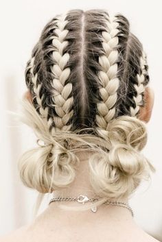 Women's Hairstyles : veryone adores cute braided hairstyles. There are so many types of braids and ne… Simple Elegant Hairstyles, Cute Braided Hairstyles, Teen Hairstyles, Box Braids Hairstyles, Trending Hairstyles, African Hairstyles, Black Hairstyles, Hairstyles 2018, Long Haircuts