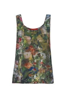 Full of beauty and flowers bursting with colours, this Spring/Summer 2014 add a flash of vibrancy to your wardrobe with Vivienne Westwood's overtly feminine top. Perfectly and sharply overprinted onto sequins, this eye-catching vest creates an elegantly jarring effect.