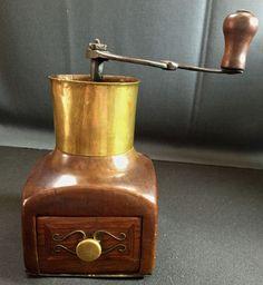 absolute Rarität! Antike Kaffeemühle aus Holz mit Messing-Eisenmontur 18/19 Jahr