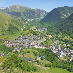 Panoramic hike along the small quaint villages at Aran Valley.  #travel #carameltrail #spain #pyrenees #landscape #aranvalley #hike #panoramic