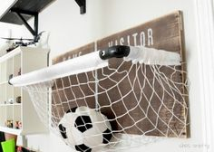 Room: sports net toy storage Basketball Net Storage and Toy. This cute and simple DIY makes storing sports balls easy and fun.Basketball Net Storage and Toy. This cute and simple DIY makes storing sports balls easy and fun. Ball Storage, Toy Storage Baskets, Storage Ideas, Diy Storage, Storage Hacks, Storage Solutions, Kids Bedroom, Bedroom Decor, Bedroom Furniture