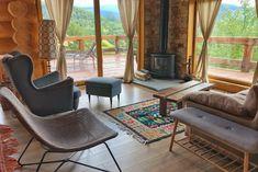 Green Cottage - O cabană superbă, chiar în grădina Carpaților - Wildventure House Beds, Open Plan Kitchen, King Beds, Cabana, Bed And Breakfast, Romania, Living Area, Cottage, Outdoor Decor